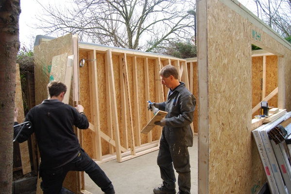 Green rooms sips kit self build garden room diy garden for Building a garden room