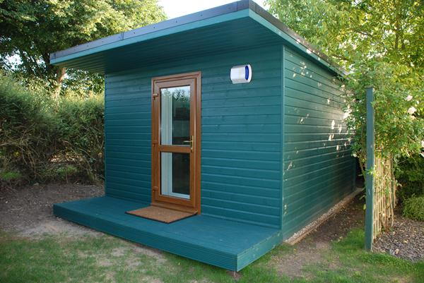 Green rooms soundproof garden music room garden for Garden shed music studio